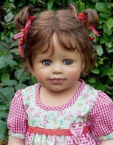 Des belles poupées dans divers 537700_549233381777631_2017980062_n-235x300
